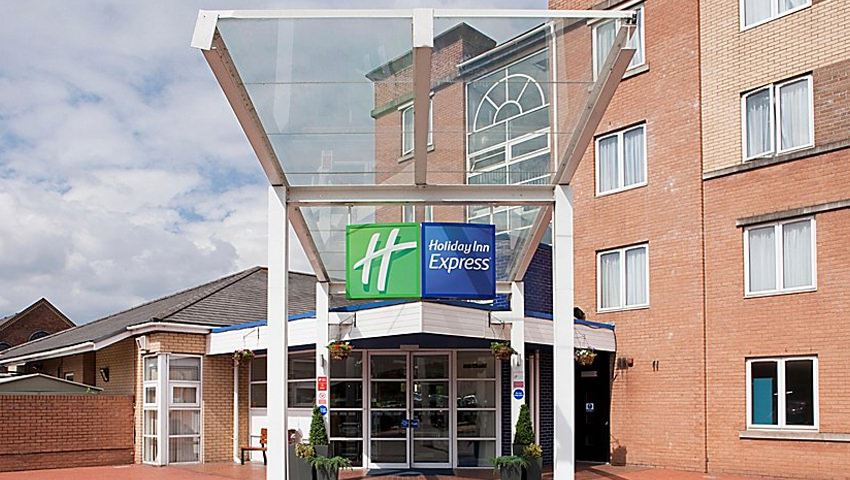 Holiday Inn Express Cardiff Bay